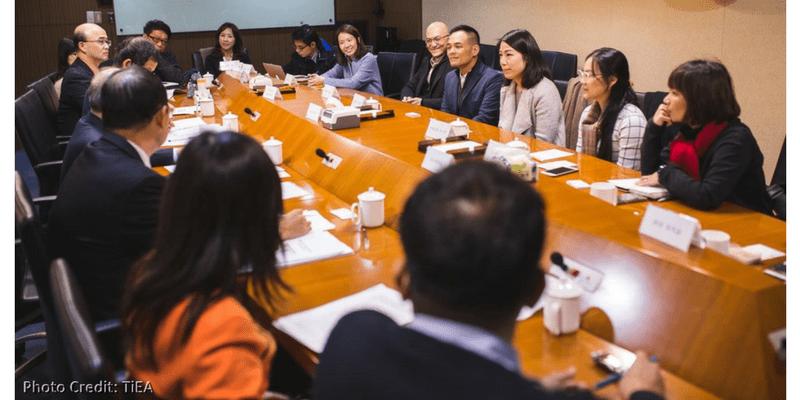 王琍瑩律師拜會金管會主委