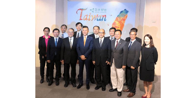 王琍瑩律師受邀出席亞洲 . 矽谷物聯網大聯盟季會,以「萬物聯網的 5G 新時代,台灣業者準備好了嗎?」為題進行演講。